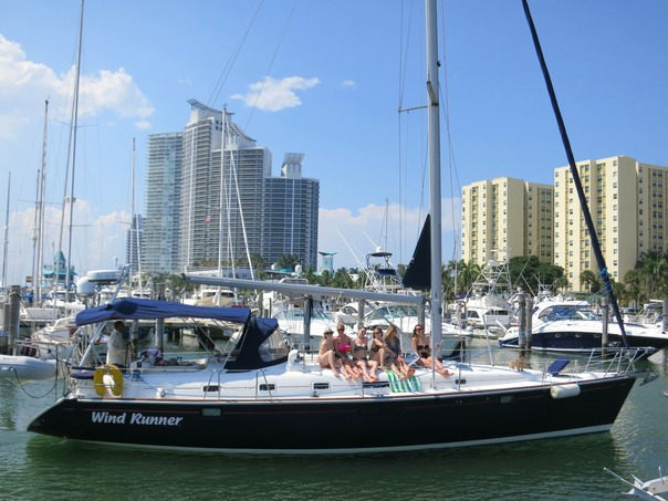 Bachelorette sail in Miami