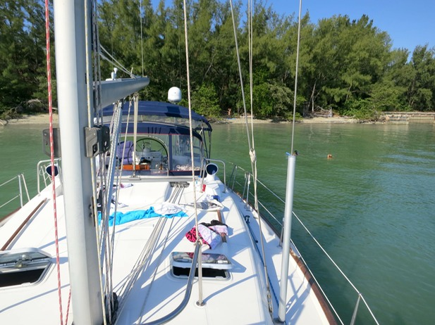 Pleasure sailing getaways in south florida biscayne bay for Weekend getaways from miami