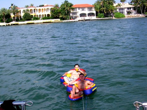 water activities in miami biscayne bay private sailboat charter in miami florida keys key. Black Bedroom Furniture Sets. Home Design Ideas